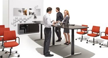 Vom Schreibtisch bis zum Rollcontainer – bei triPlus finden Sie hochwertige Büromöbel plus Fachberatung!